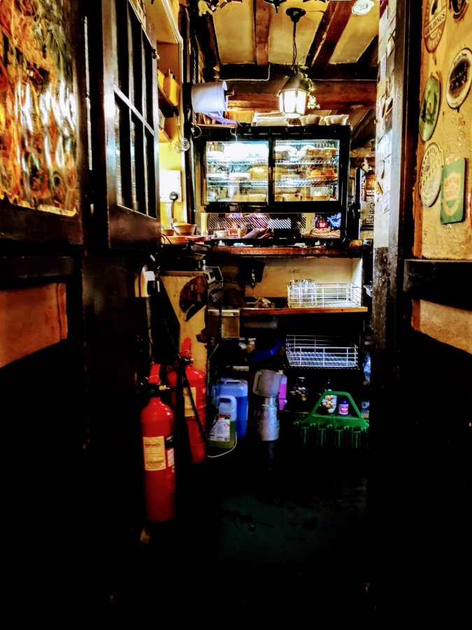 TOP 100 PUBS – THE HOLLY BUSH,MAKENEY