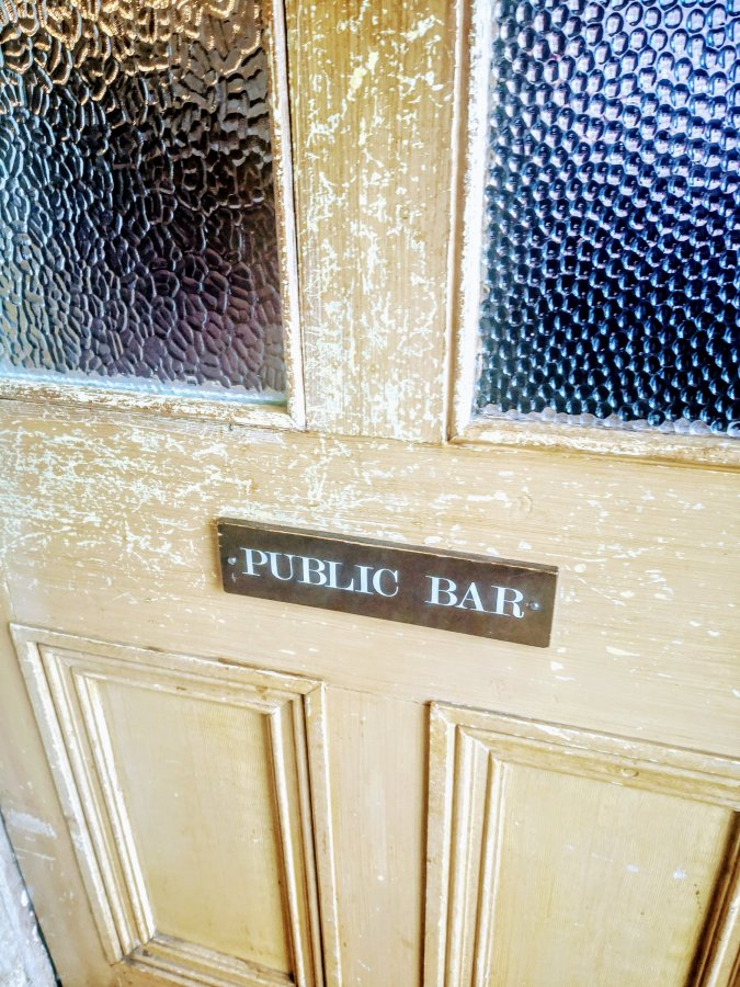 PUBLIC BAR, POTTON