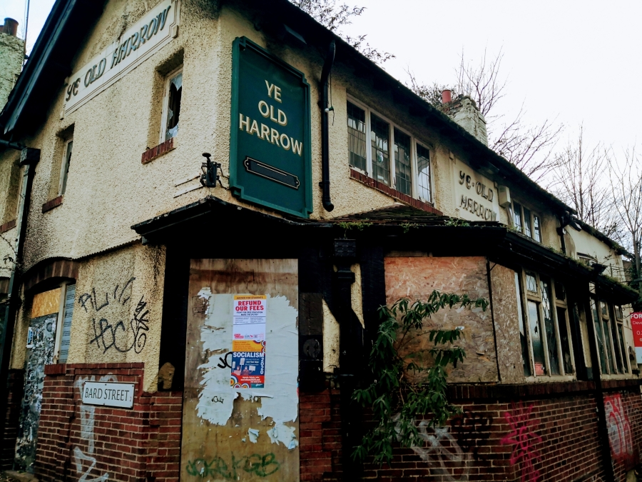 CRUMBLING CLASSICS ON CRICKET INN ROAD