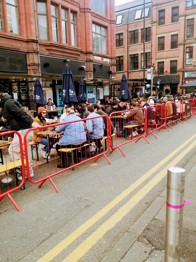 MANCHESTER – NO ROOM OUTSIDE THEINN